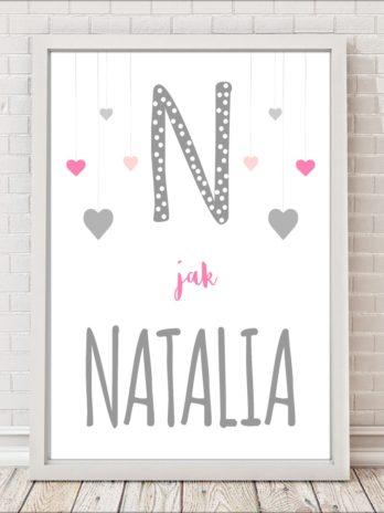 Plakat personalizowany z wiszącymi serduszkami różowo-szary